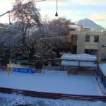 Το παγοδρόμιο στη χιονισμένη πλατεία Καρπενησίου…